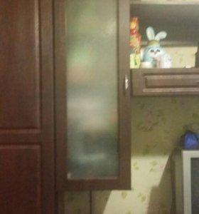 Стенка в комнату