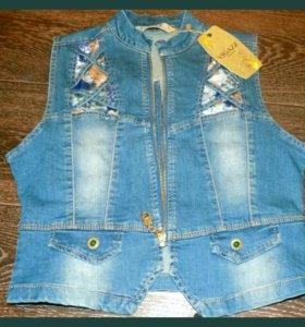 Новая джинсовая жилетка разм 44