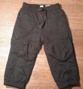 Чёрные брюки на синтепоне. Новые. 92 см. O'Stin.