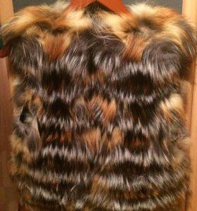 Продаю жилет из лисы