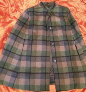 Пальто  новое United colours of benneton