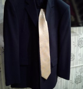 Мужской костюм новый 50-52 размер
