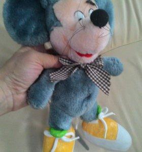Плюшевый мышонок