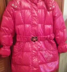 Детское тёплое пальто - пуховик девочки красное
