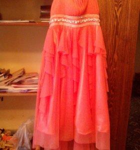 Платье праздничное коралловое