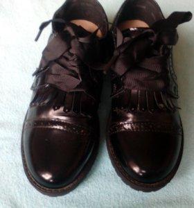 Ботинки на девочку,новые