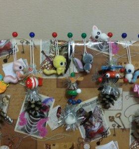 Микро-игрушки на микро-елку