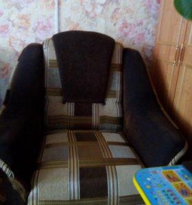 Продаю два кресла
