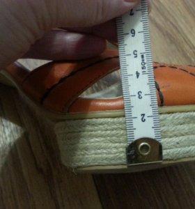 Босоножки размер 40