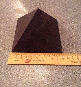 Пирамида шунгит