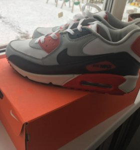 Новые кроссовки Air Max