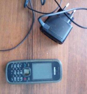 Телефон нокиа,идеально работает и держит зарядку