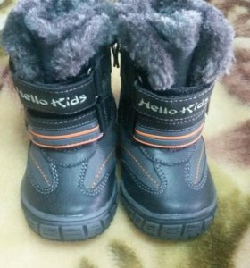 Зимнии ботинки новые