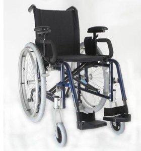 Инвалидное кресло-коляска.Новое.