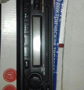 Магнитола  CD FM б/у