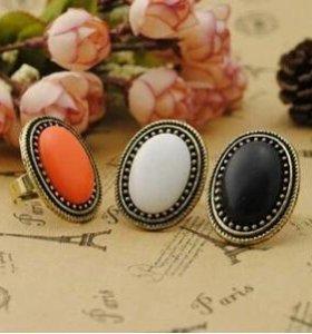 Кольцо с оранжевым камнем