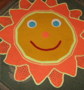 Вязаный коврик Солнышко