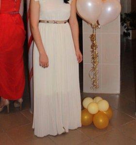 Праздничное платье с ремешком