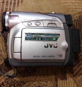 Видеокамера JVC GR-D240E