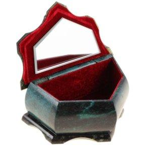 Шкатулка из натурального камня