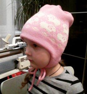Зимняя шапочка для девочки 3-5 лет.