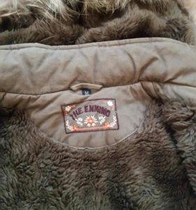 Куртка теплая .