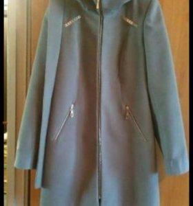 Пальто драповое с капюшоном