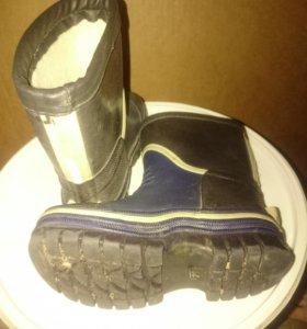 Резиновые утеплённые ботинки