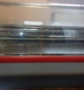 Холодильная витрина с подтоварником