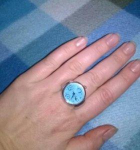 Продам новые часы- кольцо