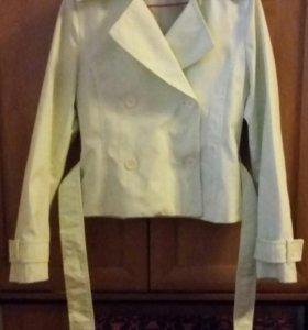 Курточка плащ новый