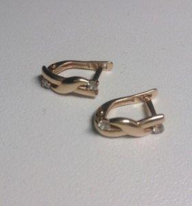 Серьги золотые 585 вставка фиониты