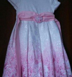 Праздничное платье  р-р 104