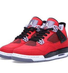 Nike Air Jordan 4 hit