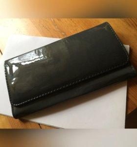Лаковый кошелёк