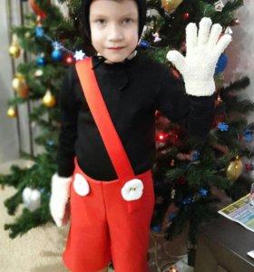 Новогодний костюм Микки маус