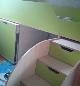 Кровать, стол, комод (3 в 1)