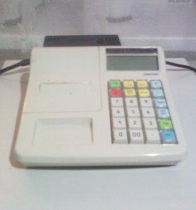 Кассовый аппарат с сейфом