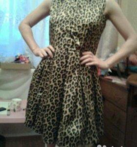 Платье из дорогого атласа