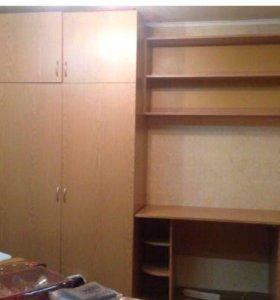Шкаф для одежды и письменный стол