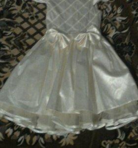 Платье для праздников.