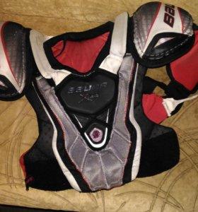 Нагрудник для хокккеиста+подарок ракушка