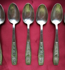Набор серебряных чайных ложек