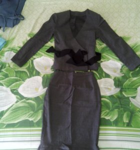 Котюм женский (пиджак+юбка) новый