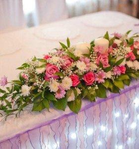 Украшение на стол для жениха и невесты