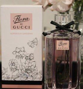Женский парфюм.