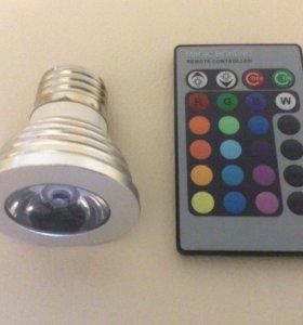 Светодиодная лампа с пультом переключения цветов