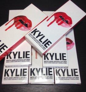 Kylie помада