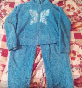 Голубой пушистый костюм