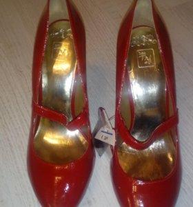 Туфли новые фирмы zara